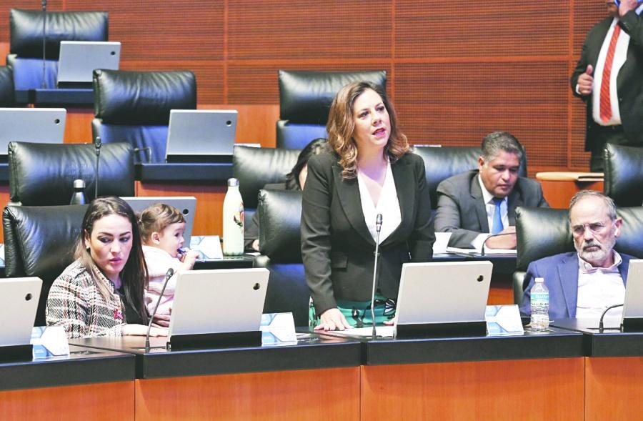 """Oposición cuestiona a canciller falta de una """"visión clara"""""""