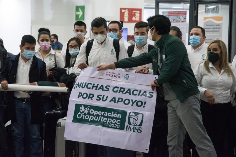 """Médicos de Sonora arriban a la CDMX para integrarse a la """"Operación Chapultepec"""""""