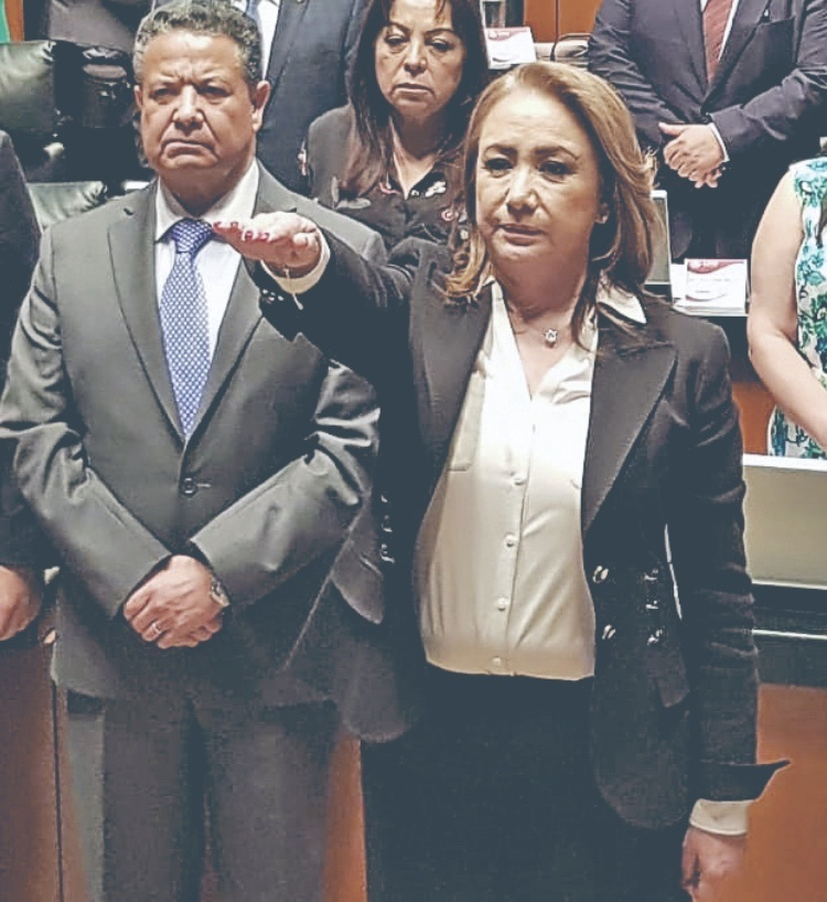 Oficial, Yasmín Esquivel se integra a la SCJN