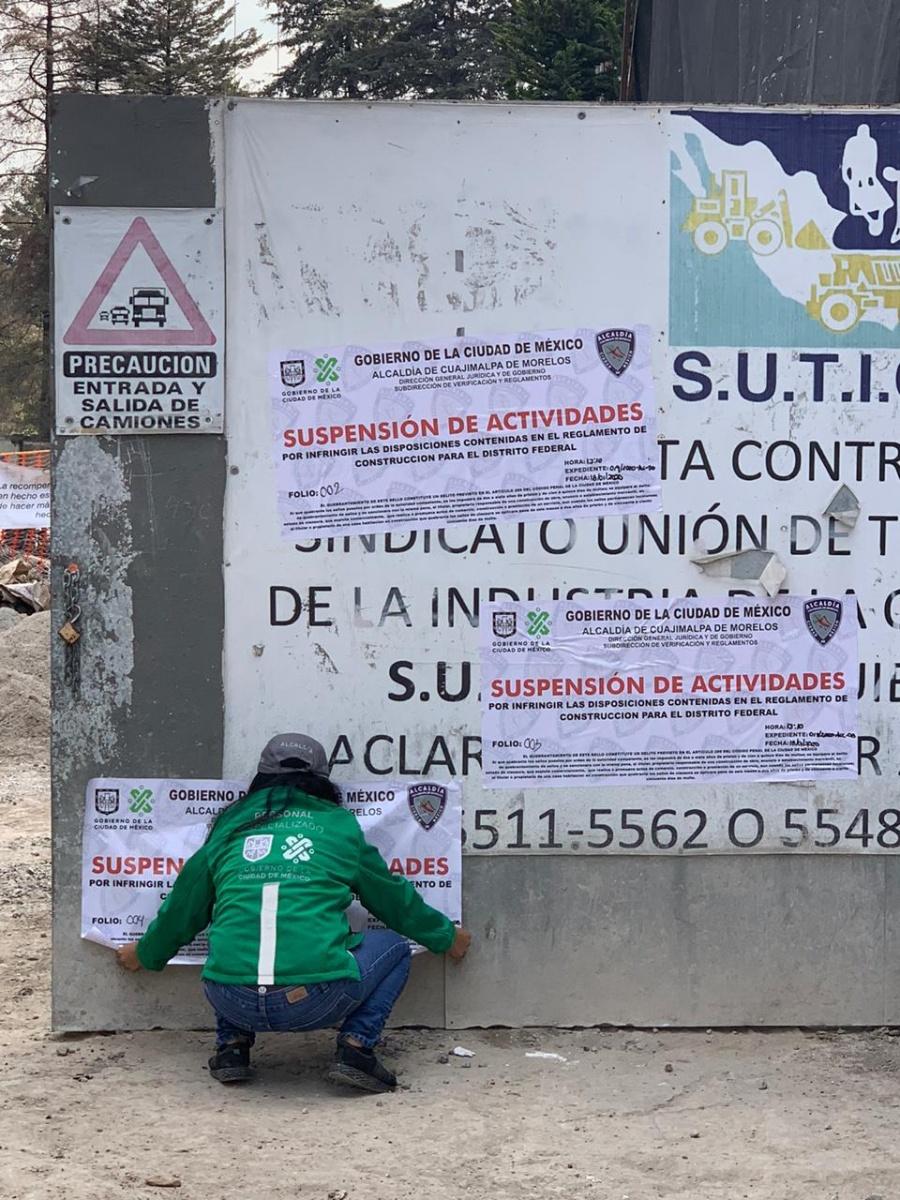Emiten suspensión de la obra en construcción en una zona residencial de Cuajimalpa