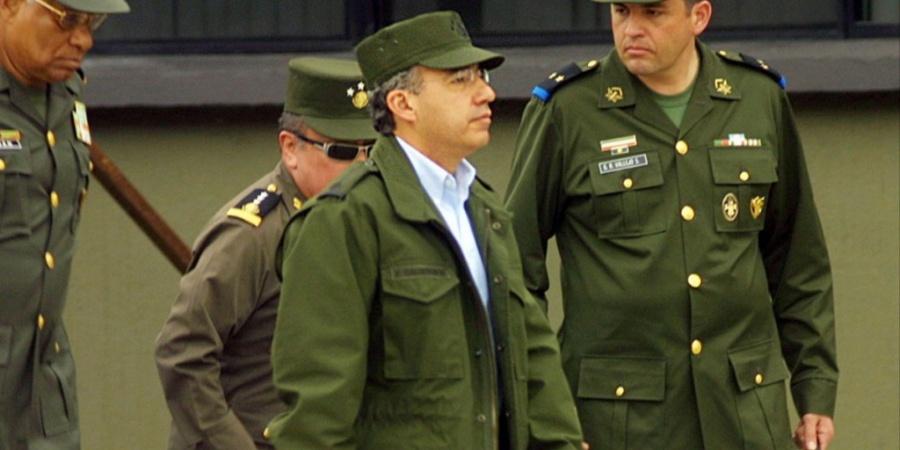 No somos como el comandante Borolas, dice Durazo