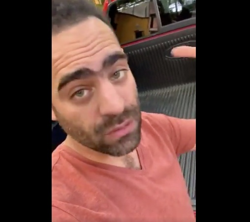 Arturo Islas denuncia robo afuera de su hogar