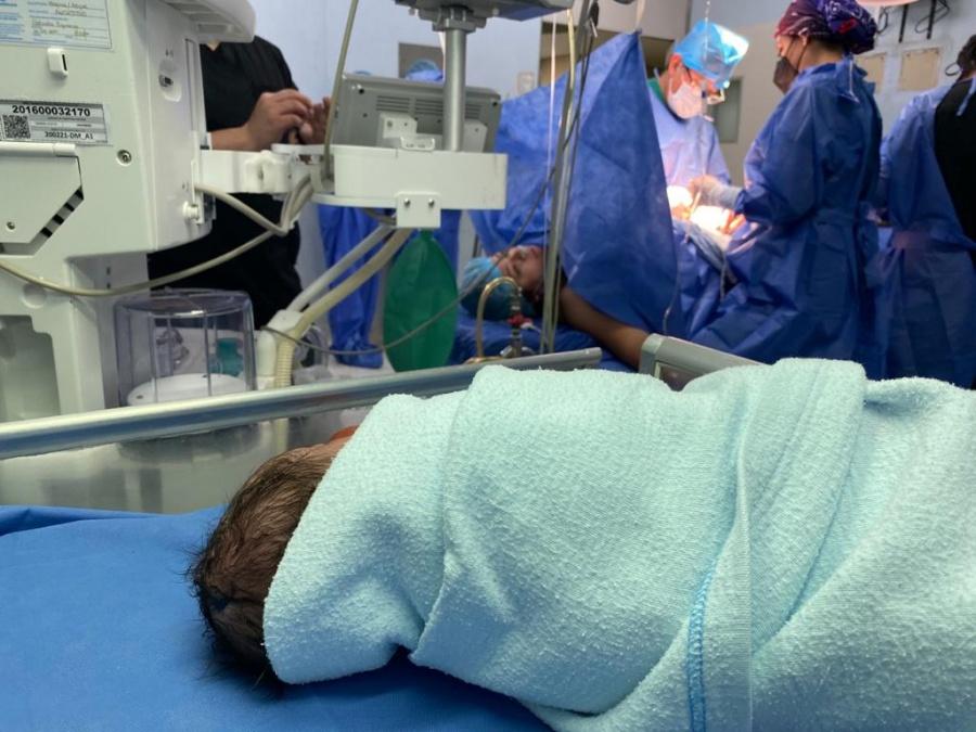 Nace en CDMX el primer bebé del 2021