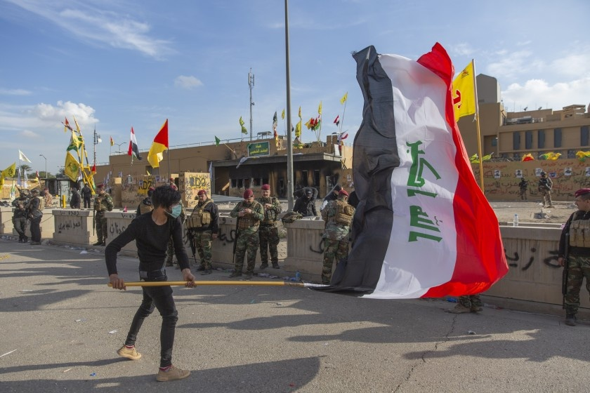 Atacan zona de embajada de Estados Unidos en Bagdad