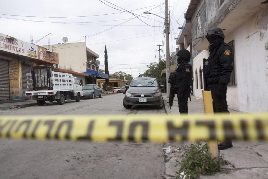 Asesinan a tiros a tres personas en Tlaquepaque, Jalisco