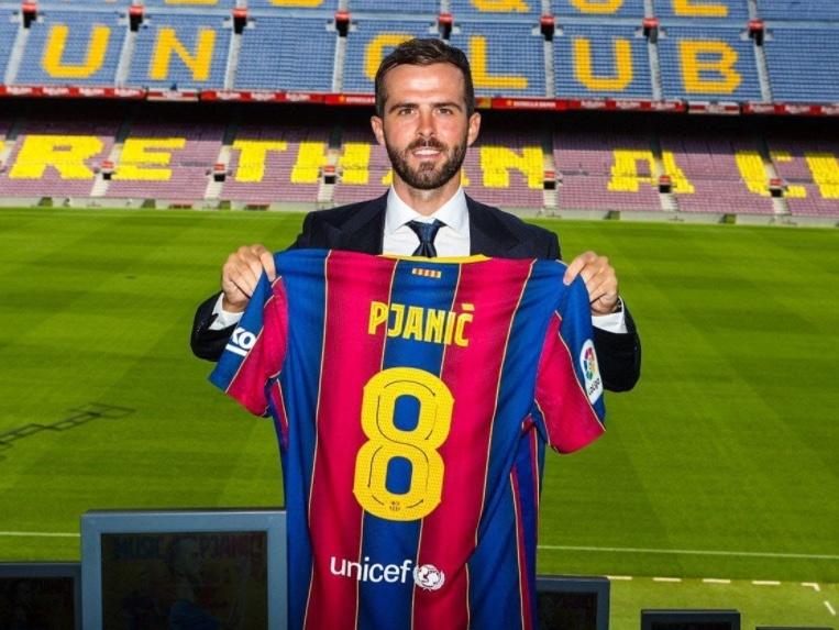 Pjanic, encantado de poder jugar junto a Messi en el Barcelona