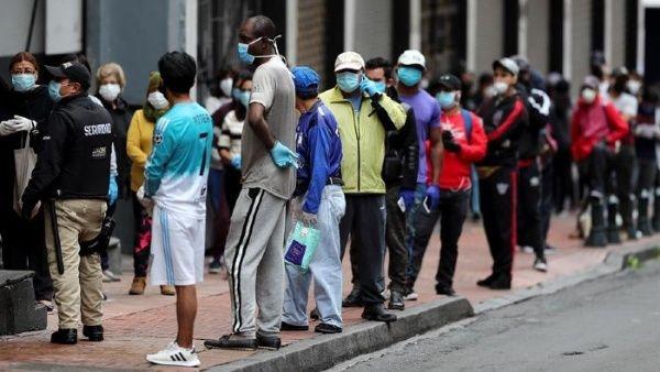 Covid-19: Sepultura masiva de cadáveres en Ecuador