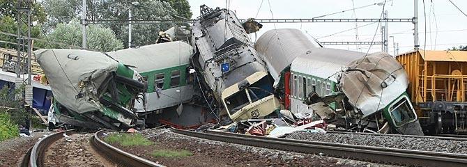 Choque de trenes en República Checa deja un muerto y 35 heridos