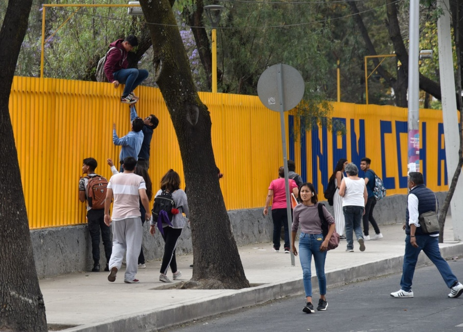 Cerca de 14 maestros y administrativos lesionados por toma de la CCH Azcapotzalco