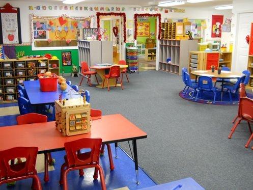 Reino Unido cierra escuelas primarias por aumento de casos de coronavirus