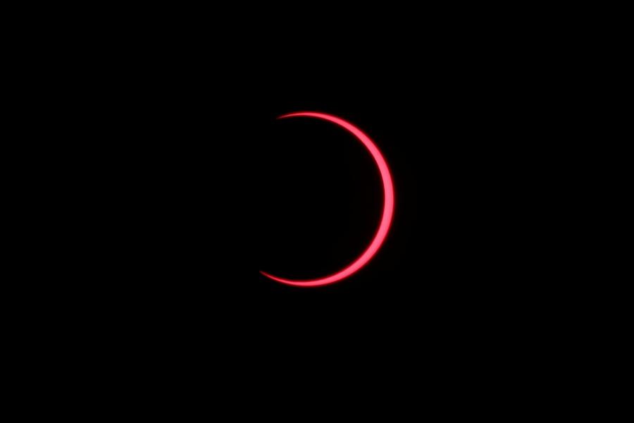 Eclipse solar maravilla a pobladores de la franja sur de Asia