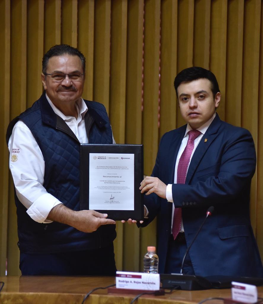 Certificación y capacitación, fundamentales para la competitividad en Pemex