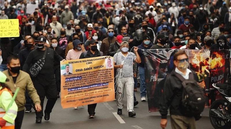 Piden policías no se les criminalice y reclaman mejores condiciones laborales
