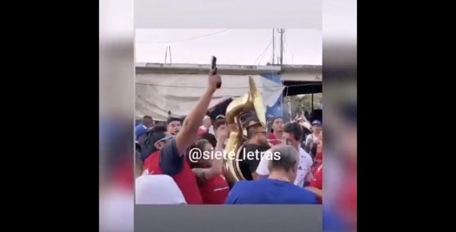 Supuesto cabecilla del Cártel de Tláhuac dispara durante Feria de Zapotitlán