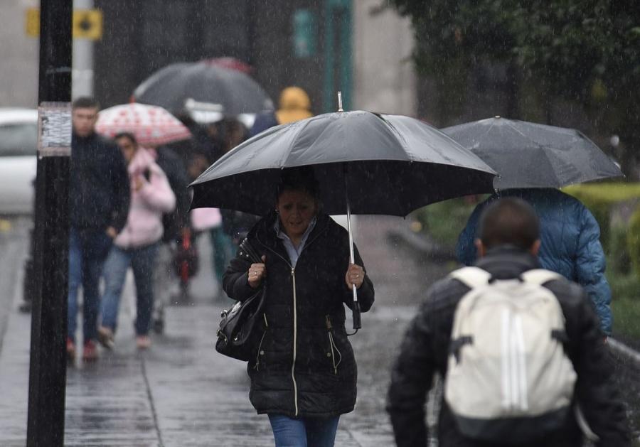 Pronostican lluvias aisladas en CDMX para este viernes