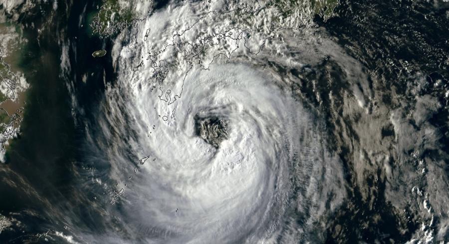 Alerta en Japón por la llegada del tifón Krosa