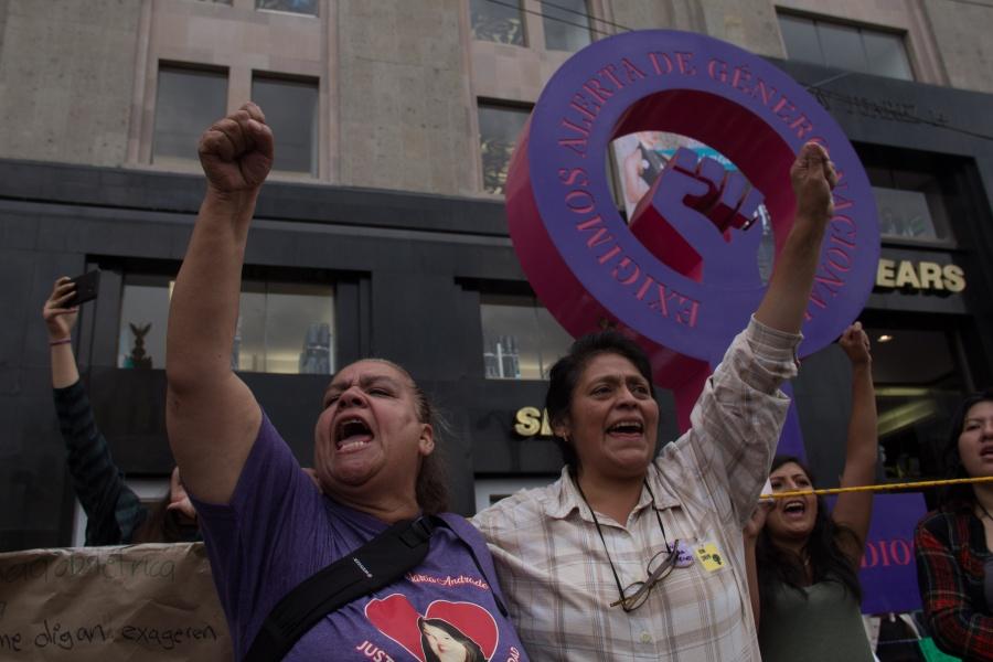 Surge #MujeresJuntasMarabunta para terminar con relaciones de poder en la cultura