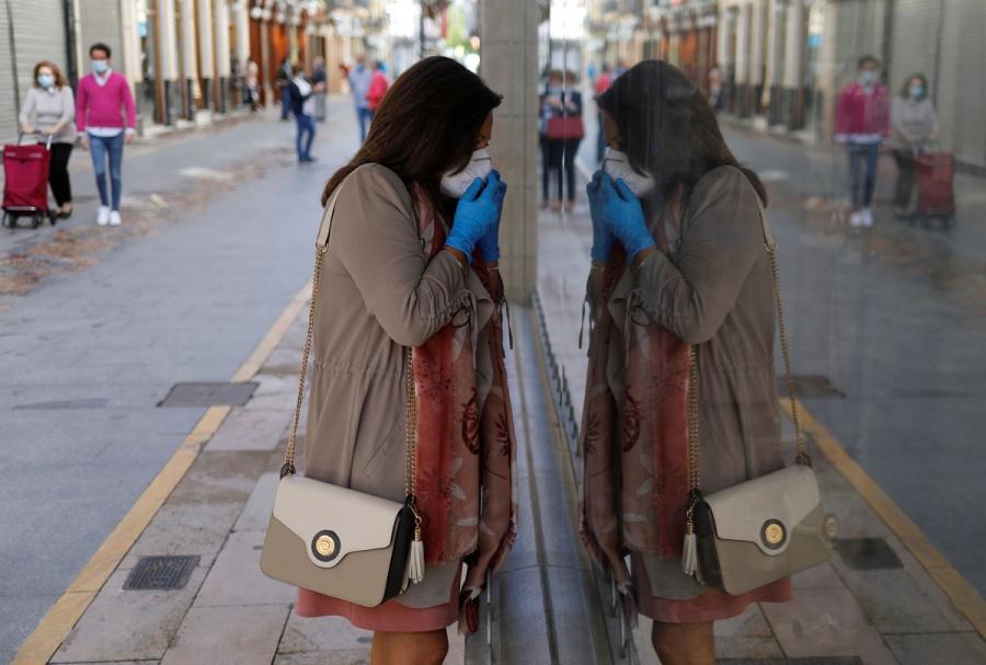 Suman 232 mil 555 casos de contagio por Covid-19 en España