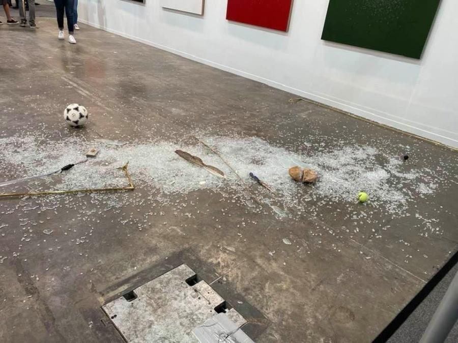 Rompen obra de arte en Zona Maco