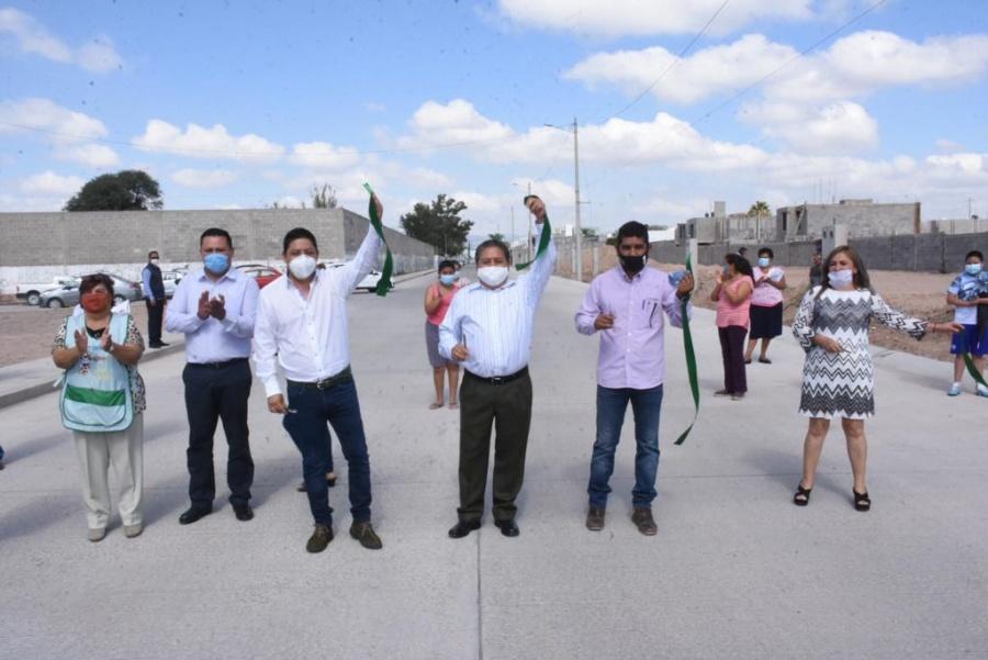 Diputado Gallardo y edil de Soledad inauguran calle por mejoramiento urbano