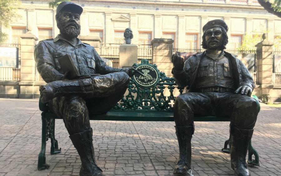 """Ladrones intentan robarse banca del """"Che"""" Guevara y Fidel Castro"""
