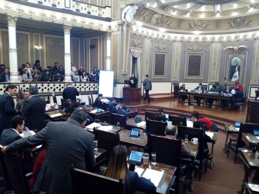 Rechazan en Congreso de Puebla aborto y matrimonio gay