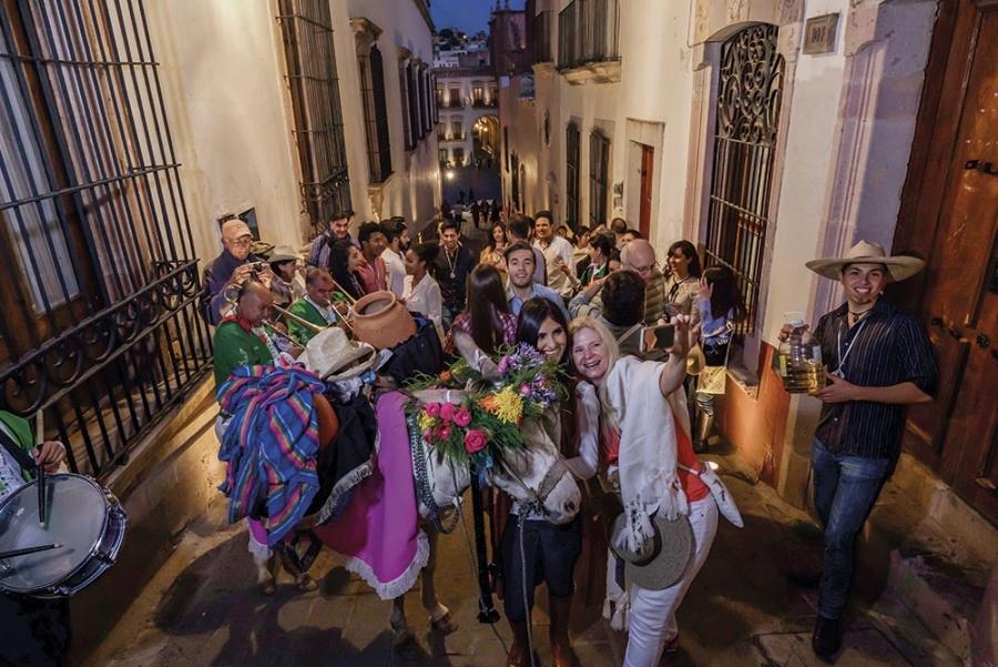 Lanzan la marca Zacatecas Enamora; Ángela Aguilar será su representante