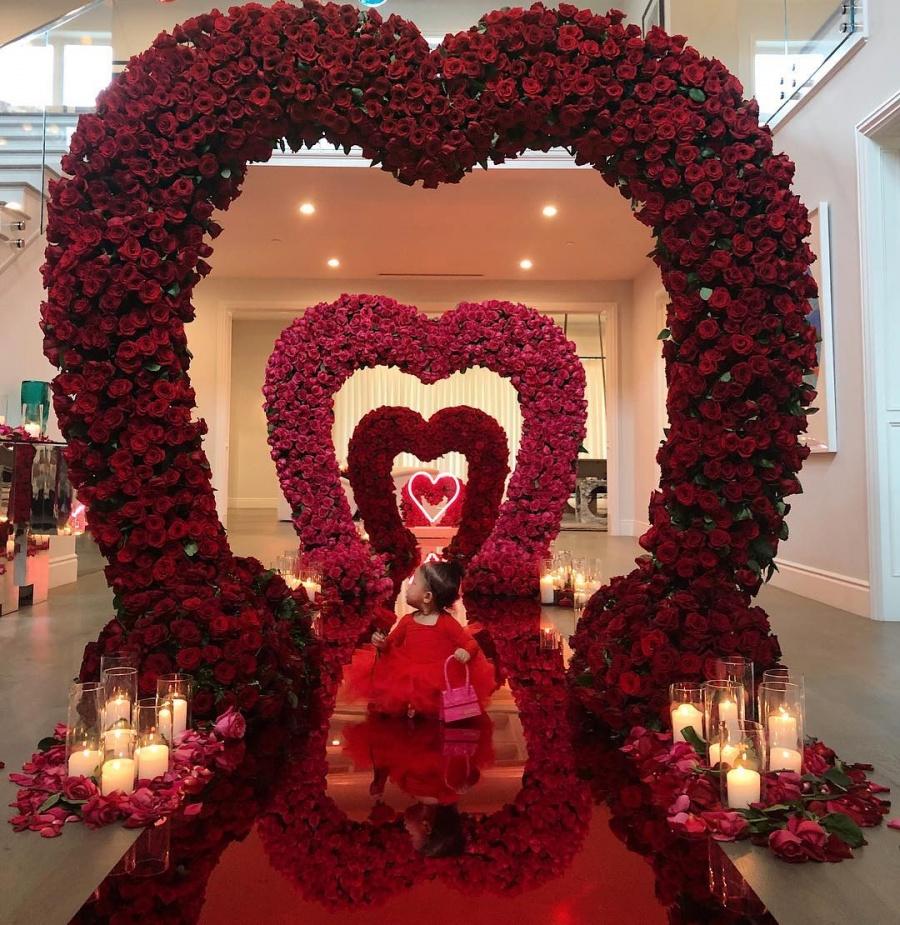 Al igual que Kim, Kylie recibe espectacular sorpresa de San Valentín