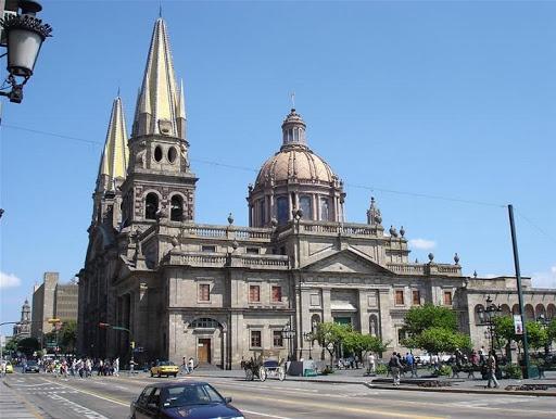 El ayuntamiento de Guadalajara se da a la tarea de limpiar espacios públicos