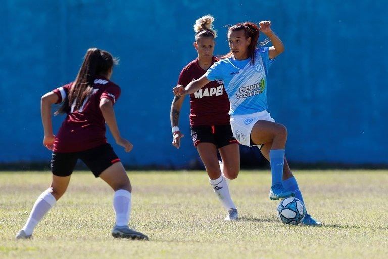 Ella es Mara Gómez, primera futbolista transgénero que debuta en primera división