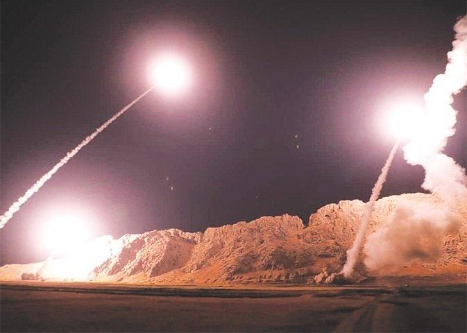 Bombardea Irán base aérea de Irak que alberga fuerzas de EU