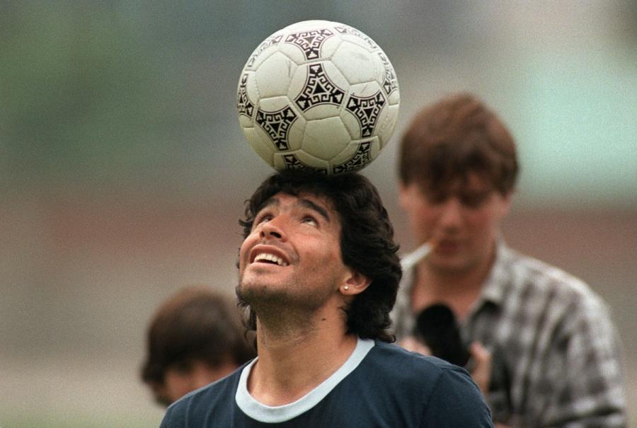 ¿Quién fue Diego Armando Maradona, leyenda del futbol argentino?