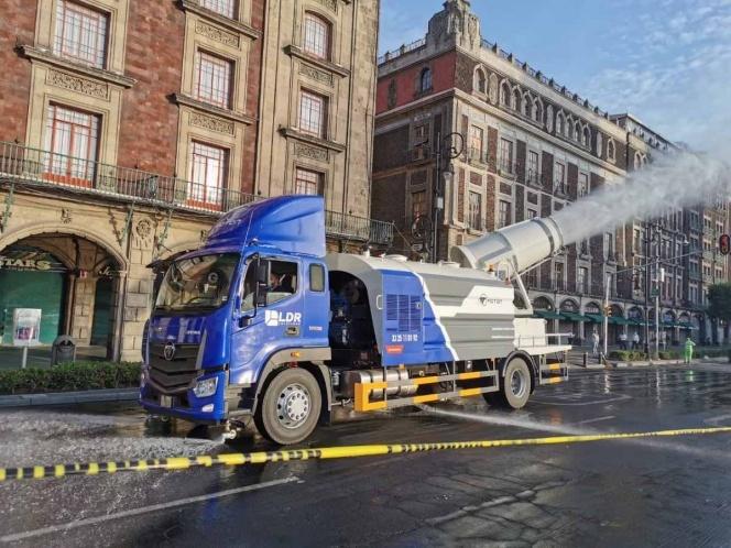 Presentan camión pulverizador para sanitizar espacios públicos por Covid-19