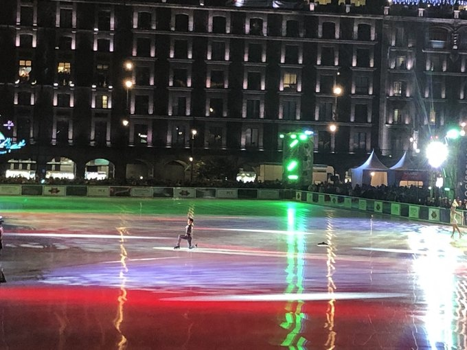 Inauguran la nueva pista para patinar en el Zócalo de la CDMX