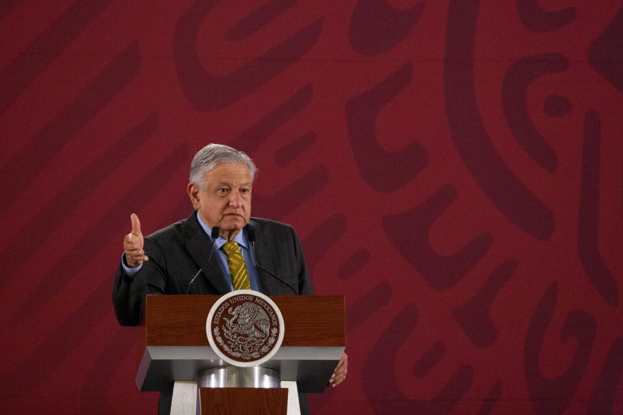 Rechaza López Obrador que CNTE quiera control de plazas magisteriales