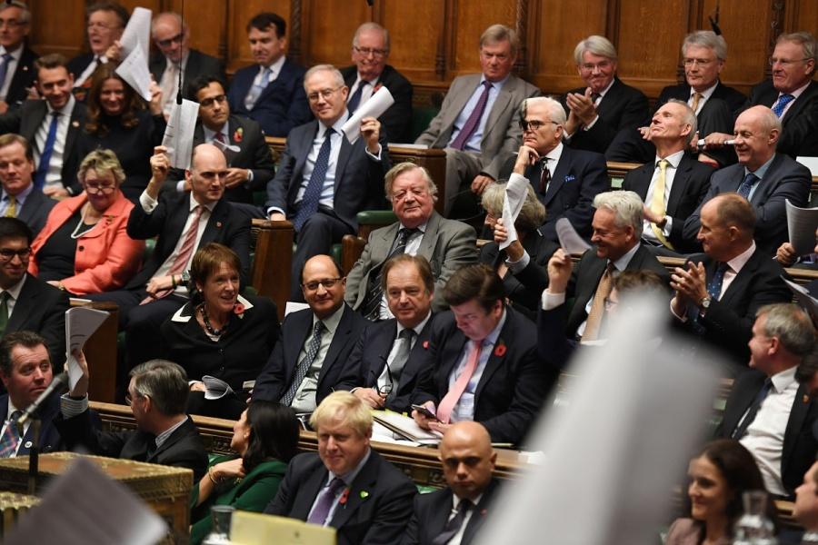 Parlamento británico elige un nuevo presidente para arbitrar el Brexit