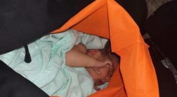 Abandonan a bebé recién nacida afuera del IMSS