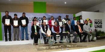 Entregan escrituras en predios de Soledad, San Luis Potosí