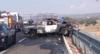 Tres heridos deja choque entre camioneta de peregrinos y un tráiler