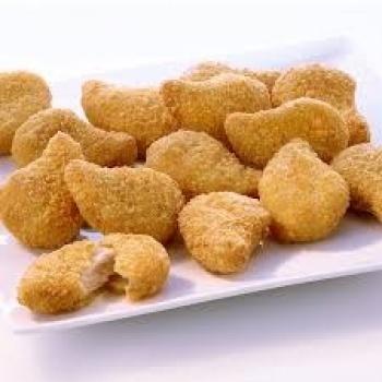 Demandan a niñera por dar nuggets a dos niños vegetarianos; no sabía su dieta