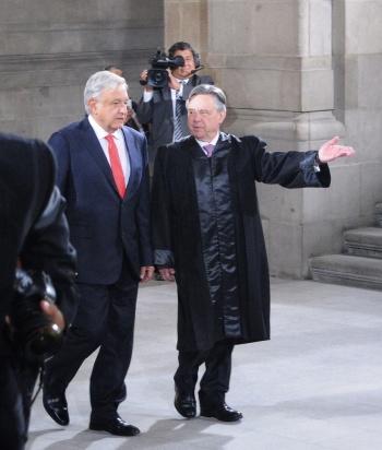 """Rechaza AMLO """"venganza política"""" en renuncia de Medina-Mora"""