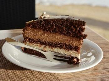 Comer pastel de chocolate por la mañana te puede ayudar a bajar de peso
