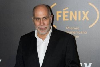 Salvar el fuego de Guillermo Arriaga se lleva el Premio Alfaguara 2020