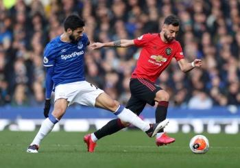Bruno Fernandes rescata al Manchester United ante el Everton