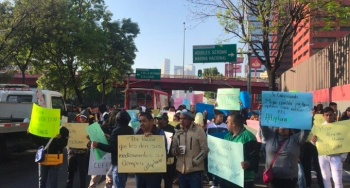 Demandan trato digno familiares de reos del Altiplano