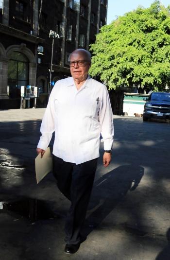"""Llama Narro a evitar """"simulación"""" en proceso interno del PRI"""