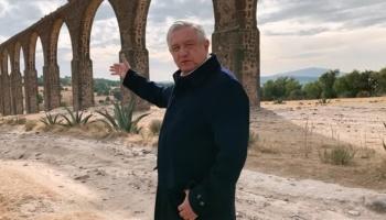 """AMLO recorre en comunidades indígenas en Hidalgo; resalta la """"grandeza cultural"""" de México"""