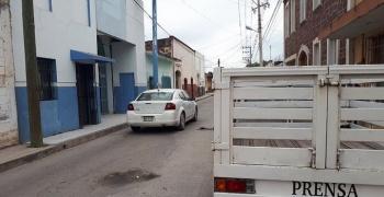 Atacan con bombas molotov oficinas del diario Zona Media en SLP