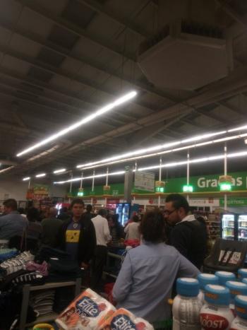 Asaltan tienda Aurrerá ubicada en Tepalcates