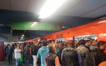 Suspenden servicio en seis estaciones del Metro de la Línea 8